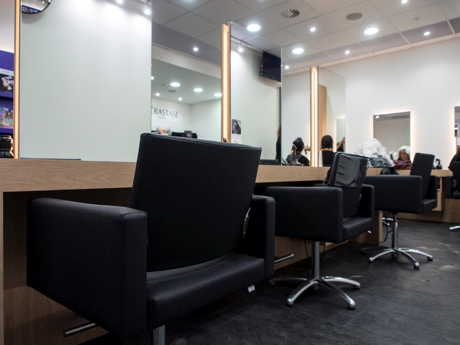 Venez d couvrir notre nouvelle d coration du salon nous sommes ouverts pendant les vacances - Salon de toilettage hainaut ...