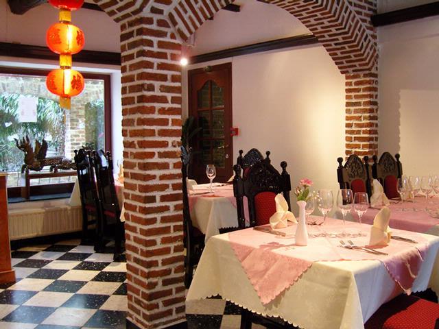 T l chargez une photo - Petit jardin restaurant luxembourg le mans ...
